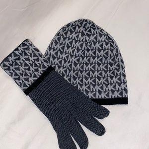 Michael Kors Beanie and gloves MK logo